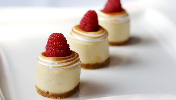 Mini Low Carb Cheesecakes with Ginger Snap Crust Recipe
